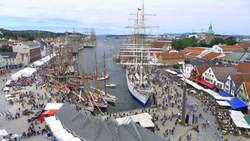 Side 12 tall ships race_ (002)
