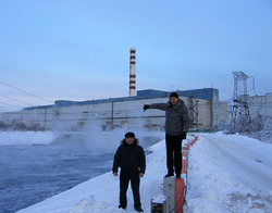 Gosman and Andrey in front of Leningrad justert